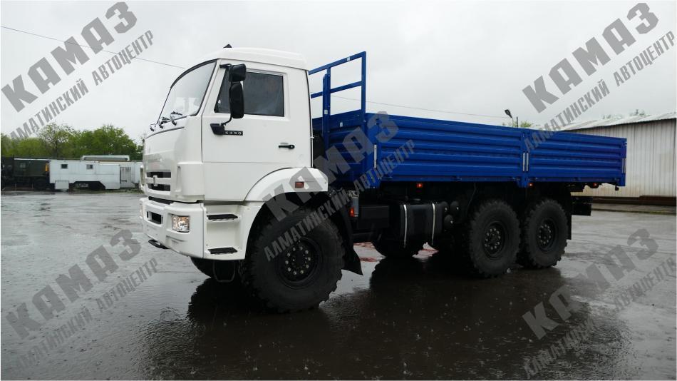 Автомобиль КАМАЗ 5350 с бортовой платформой